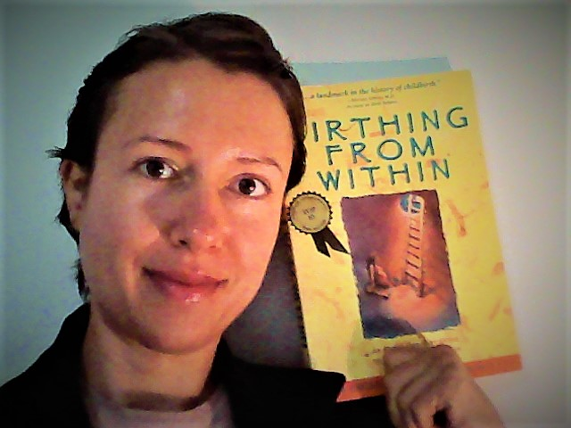 "How to give birth feeling empowered - book review ""Birthing from within"" by Pam England"
