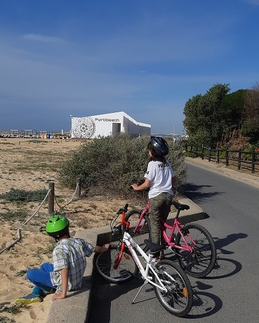Thanks to TicketLand, we rented bikes and went from Quarteira to Vilamoura