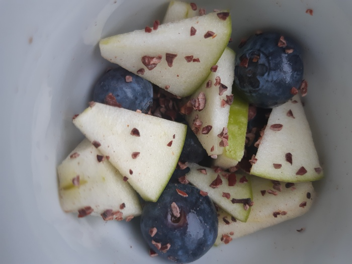 Low glycemic raw vegan dessert or an easy snack recipe #recipe
