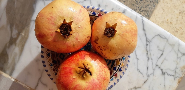 How to make #pomegranate #juice with the skin on?