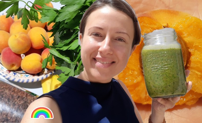 #Apricot and parsley #smoothie to welcome the sunny days