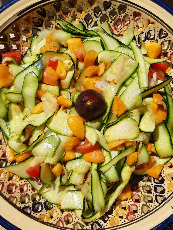 Sweet and savory #summery #recipe with #zucchini and #apricots